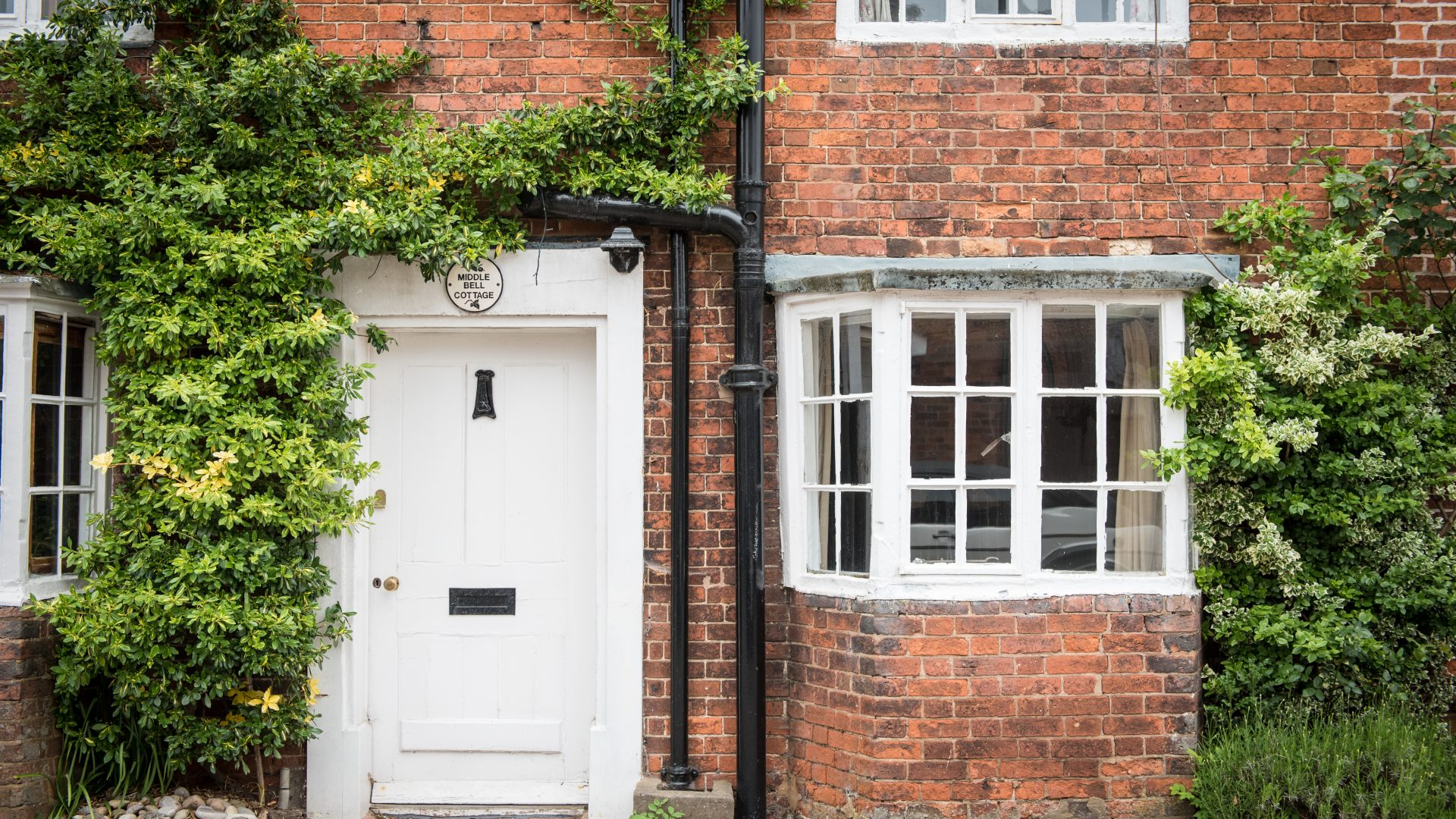 Middle Bell Cottage, Tanworth-in-Arden for sale with Mr and Mrs Clarke estate agent