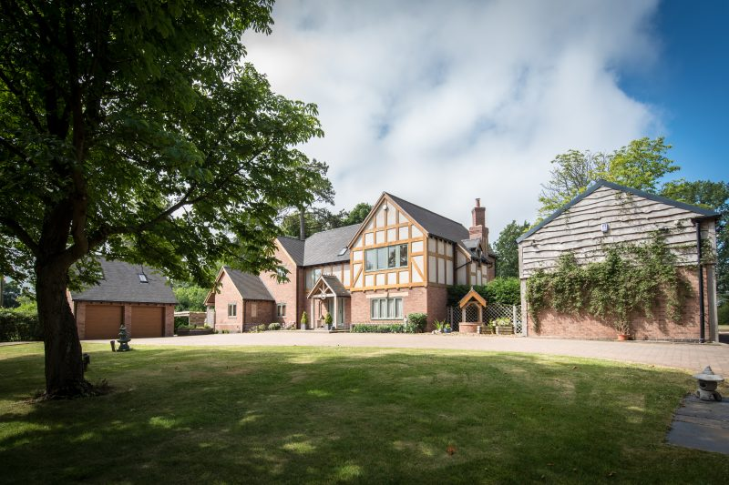 More about Chestnut House, Lapworth with estate agent Mr and Mrs Clarke