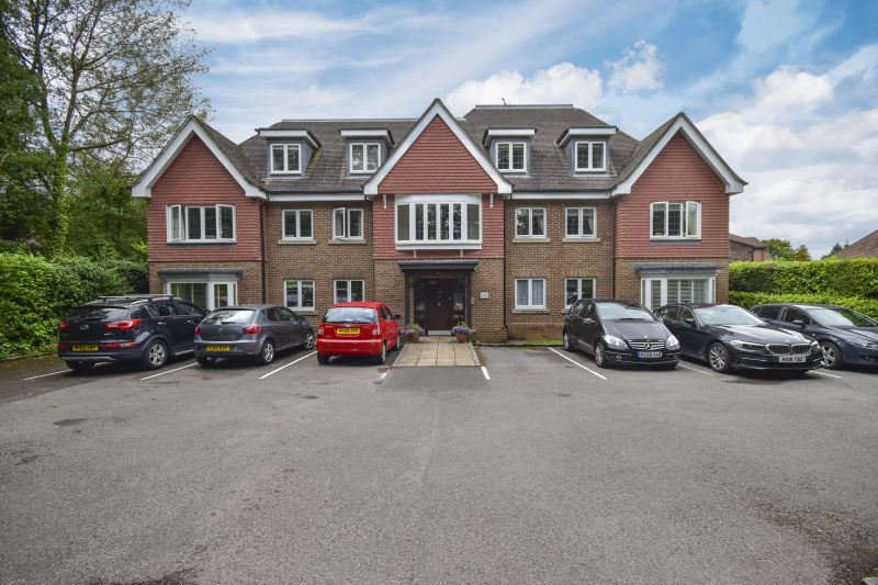More about Holmes Court, Hindhead with estate agent Mr and Mrs Clarke