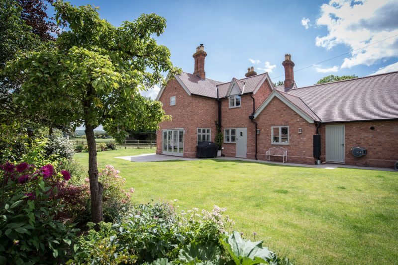 More about Walton Way Cottage, Wellesbourne with estate agent Mr and Mrs Clarke