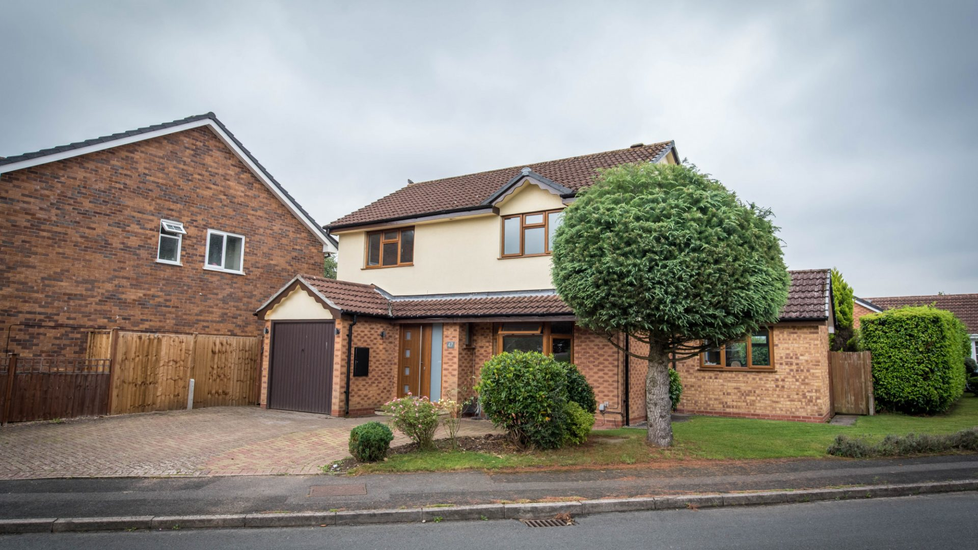 Willowbank Road, Knowle for sale with Mr and Mrs Clarke estate agent