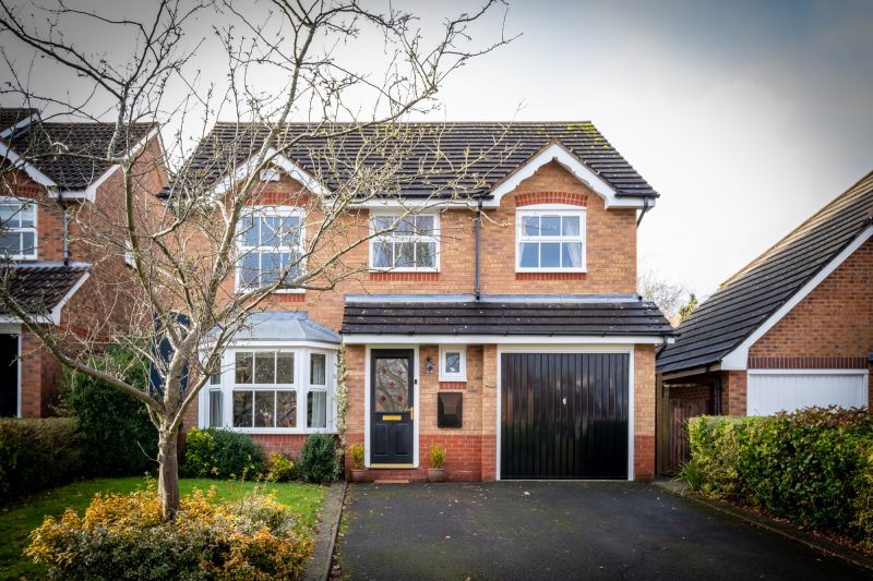 More about Cranford Grove, Solihull with estate agent Mr and Mrs Clarke