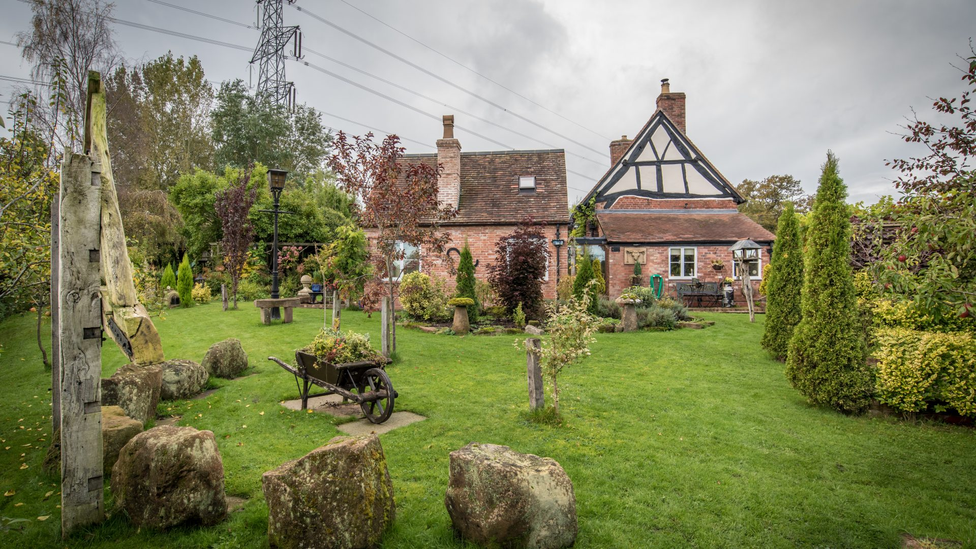 Wagster Cottage, Coleshill for sale with Mr and Mrs Clarke estate agent