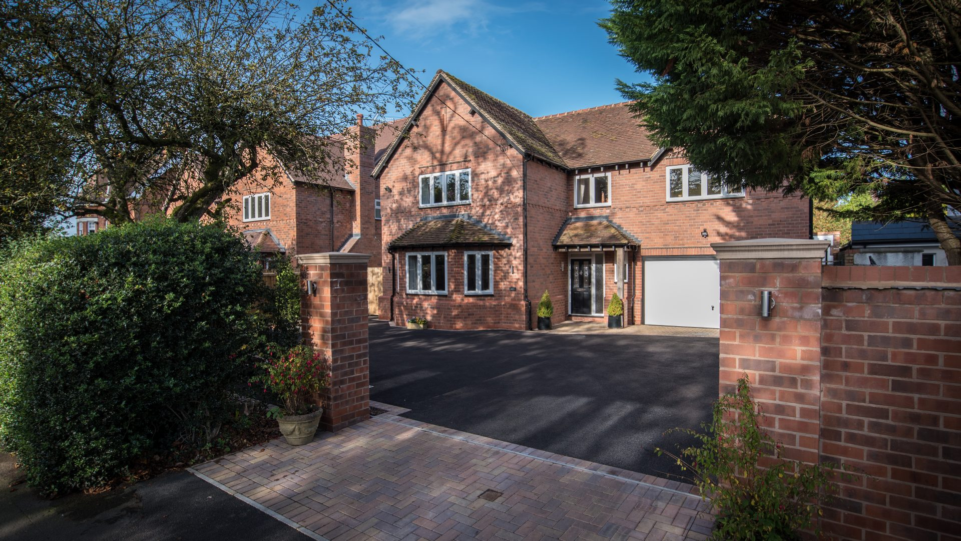 Avenue Road, Dorridge for sale with Mr and Mrs Clarke estate agent